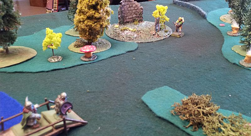 One 28mm elf trying to stop the dwarves