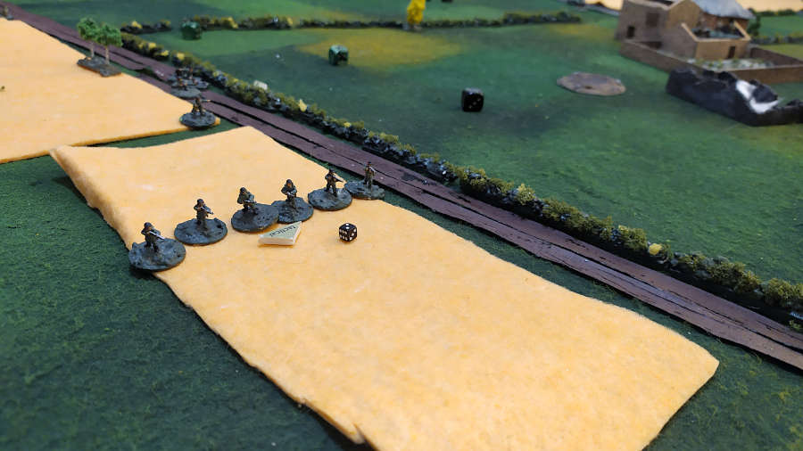 Meanwhile on the opposite flank, the german slowly crawled in the fields